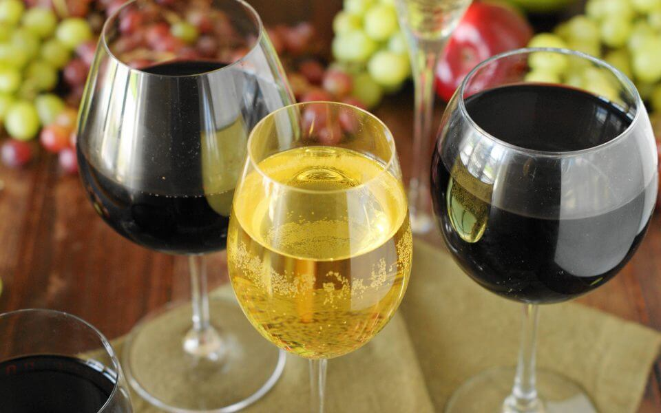 How to Choose the Right Wine Glass by Perfect Break Wines
